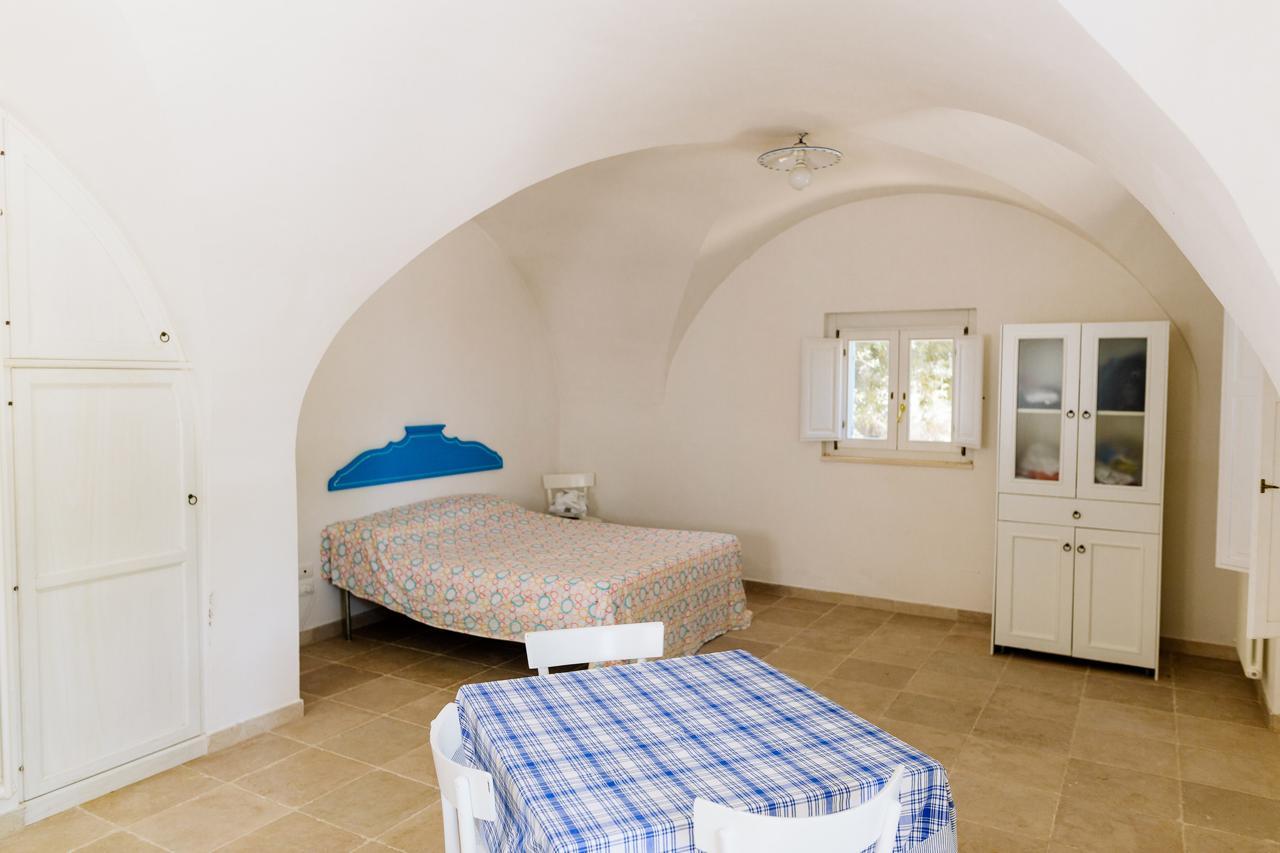 Puglia-vendita-Villa-con-Trullo-e-piscina (5)