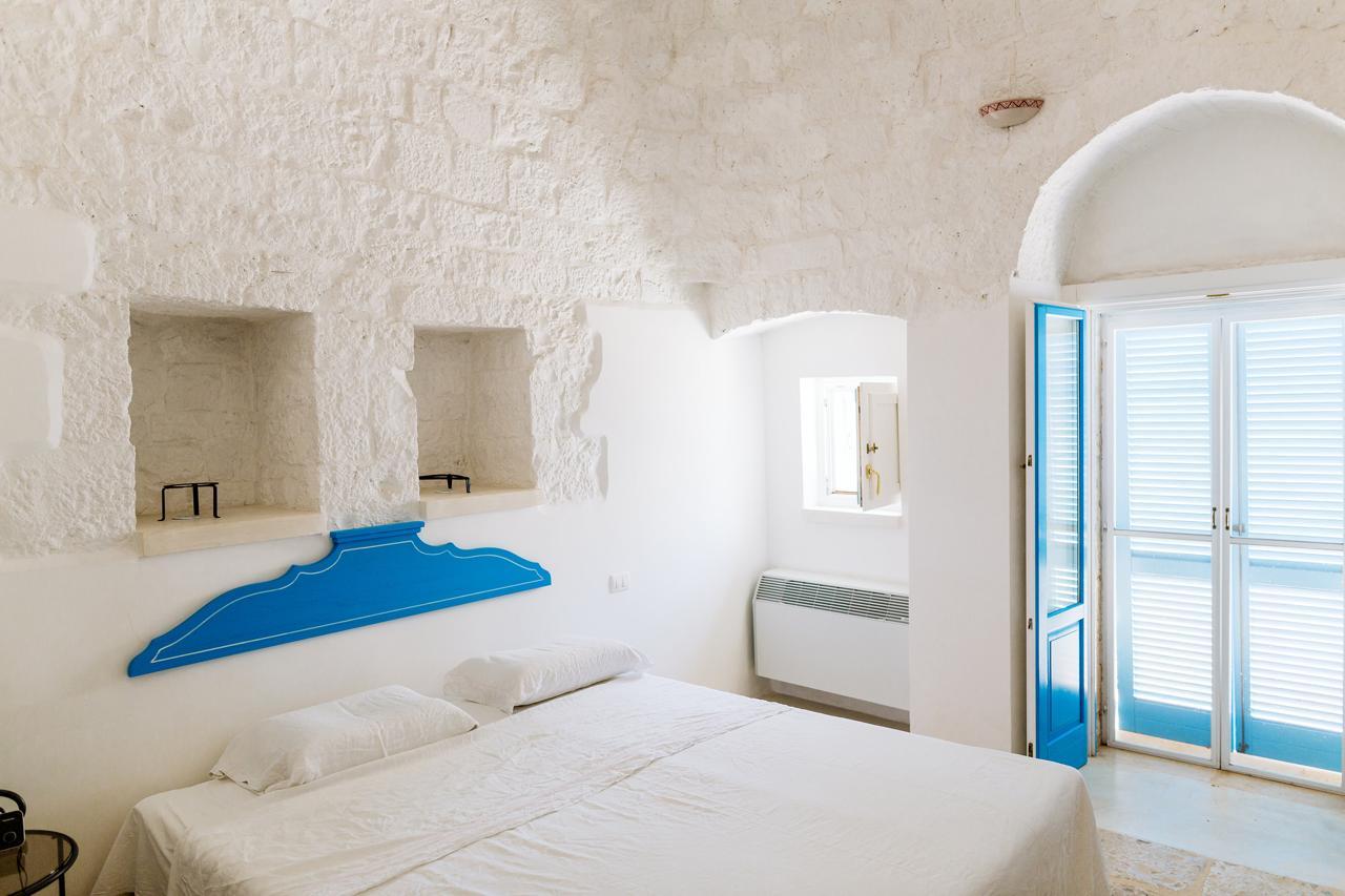 Puglia-vendita-Villa-con-Trullo-e-piscina (9)