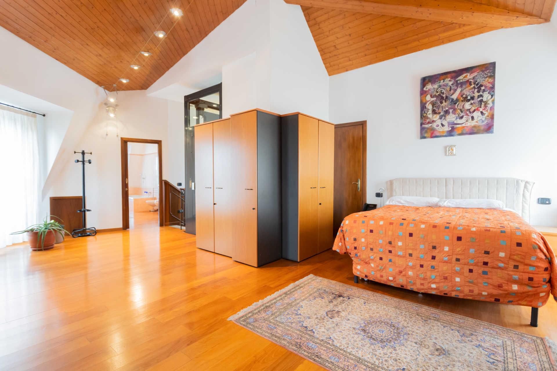 Villa-in-vendita-a-Cernusco-Lombardone (3)