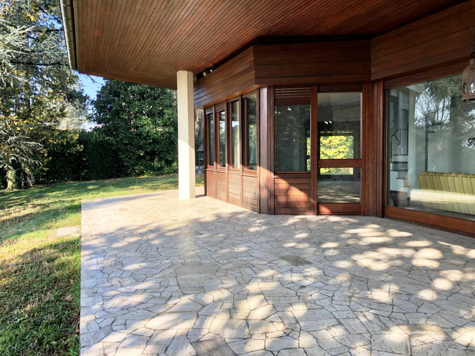 Villa-singola-Carate-Brianza-in-vendita (14)