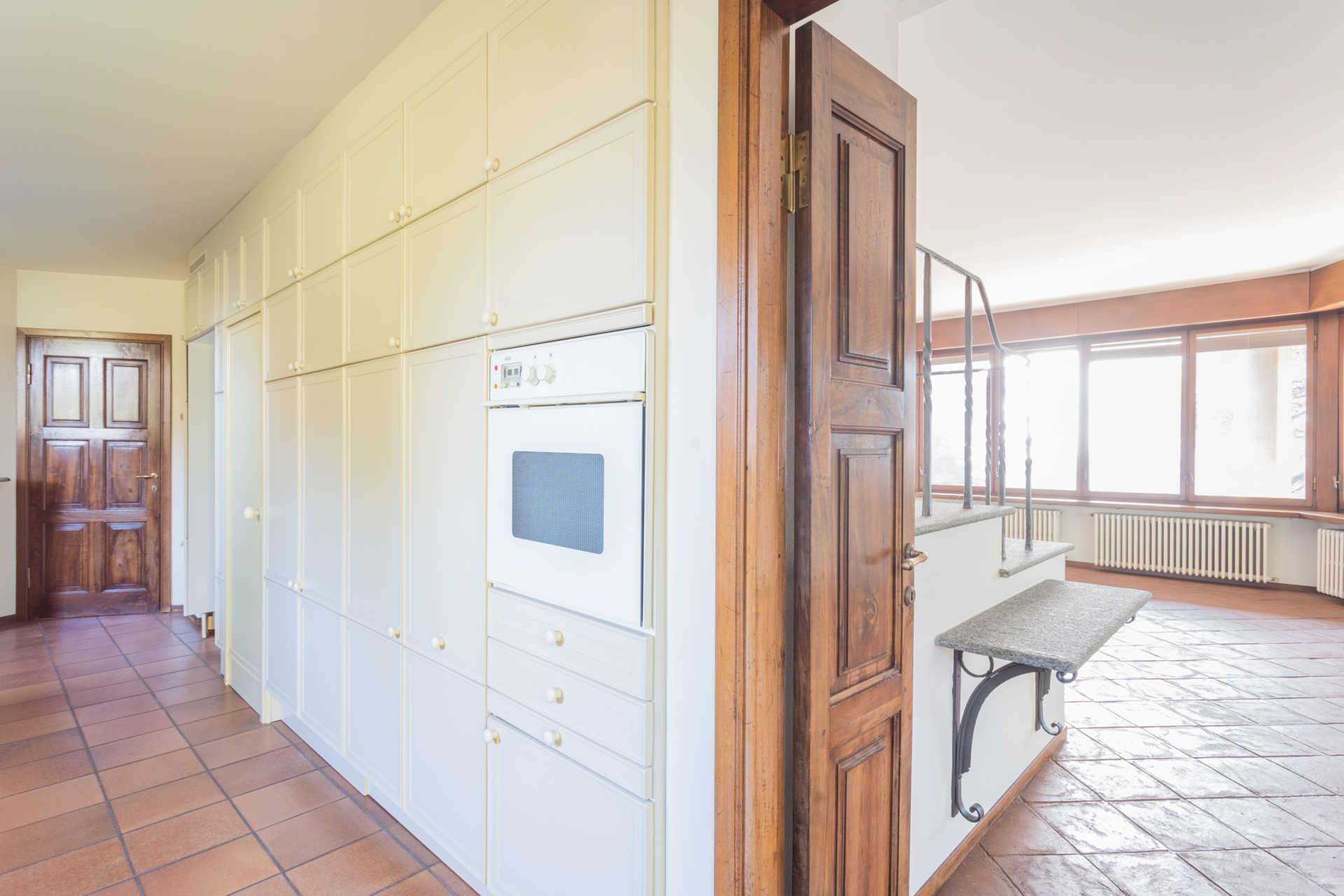 Villa-singola-Carate-Brianza-in-vendita (22)