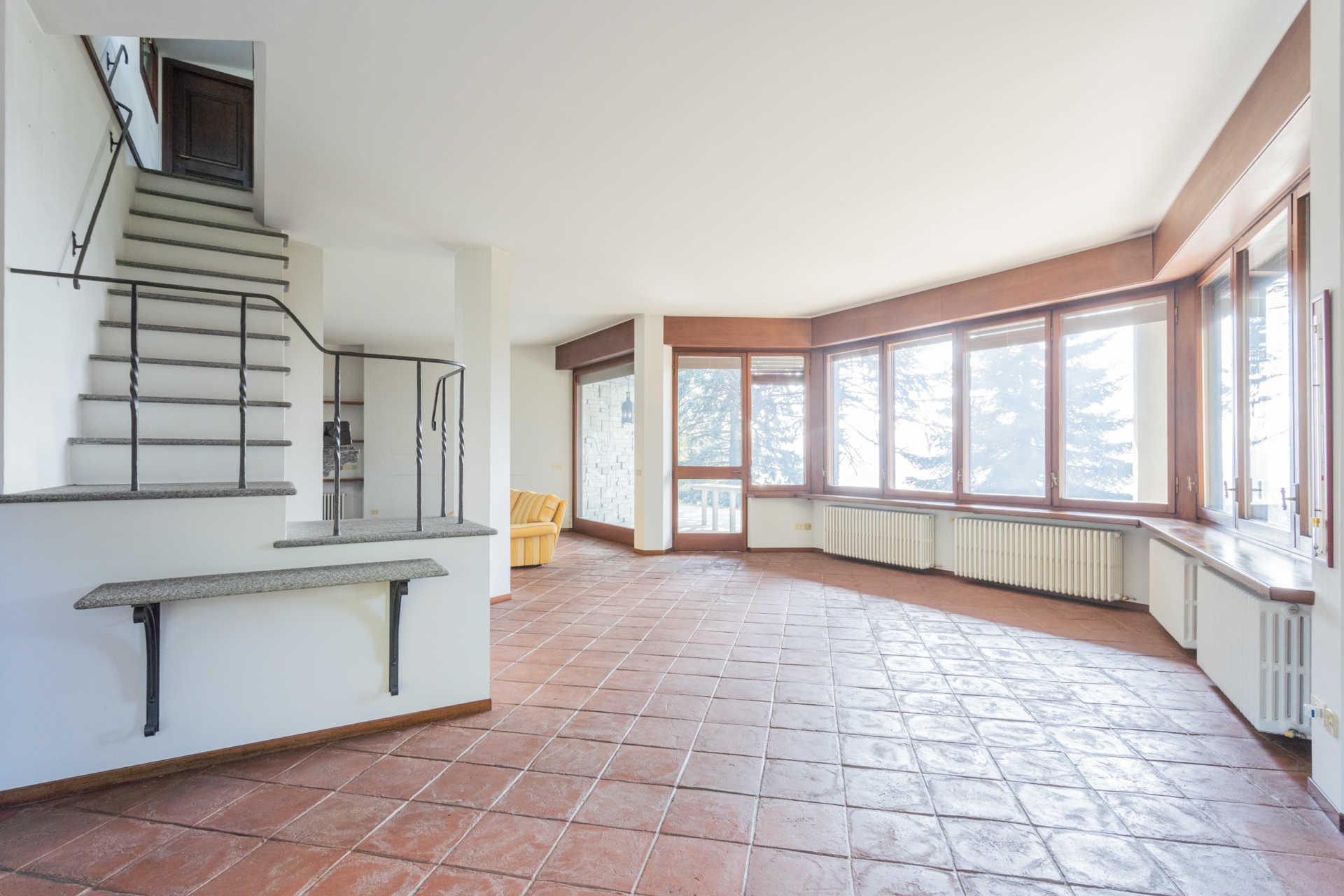 Villa-singola-Carate-Brianza-in-vendita (23)