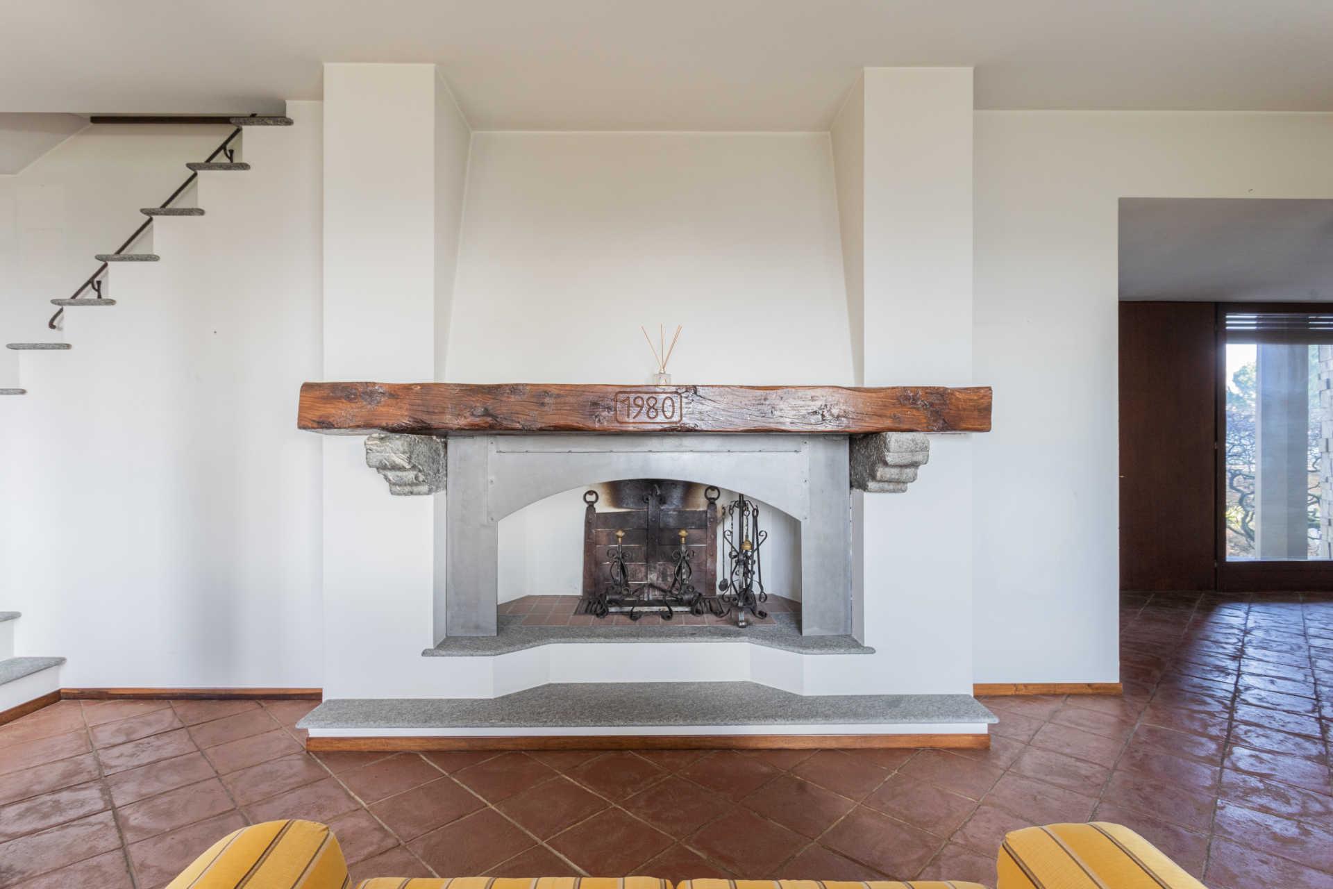 Villa-singola-Carate-Brianza-in-vendita (26)