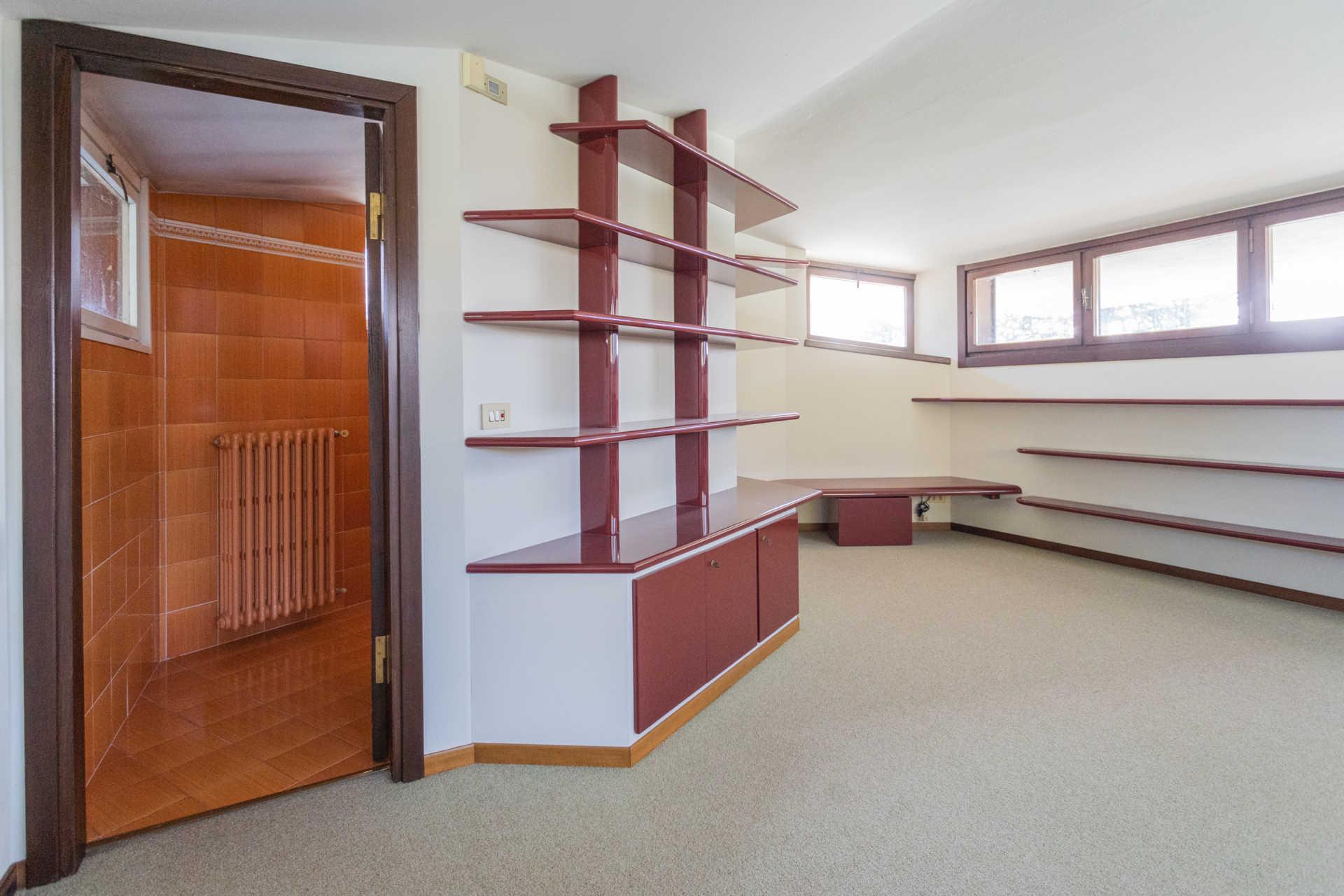 Villa-singola-Carate-Brianza-in-vendita (43)