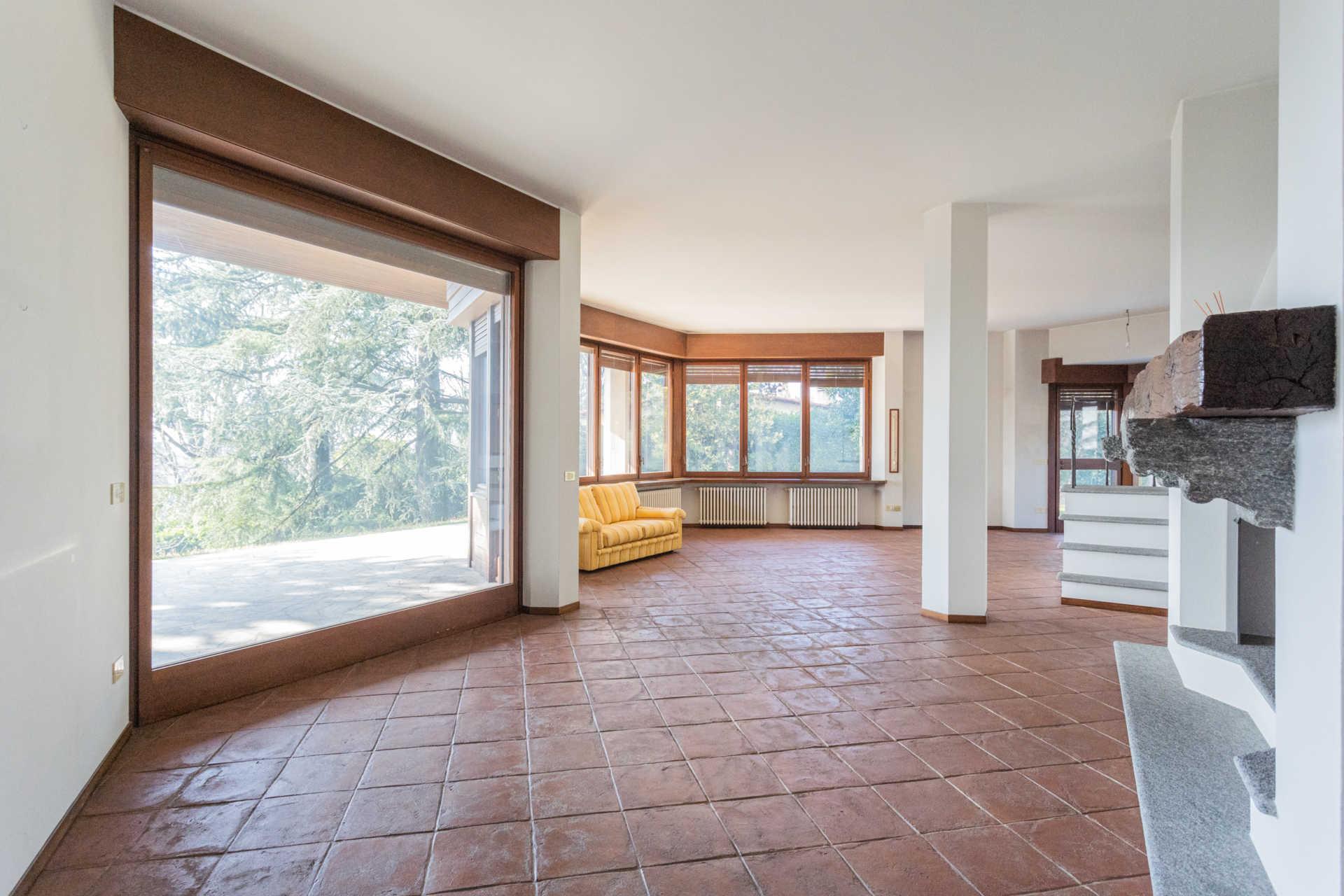 Villa-singola-Carate-Brianza-in-vendita (45)