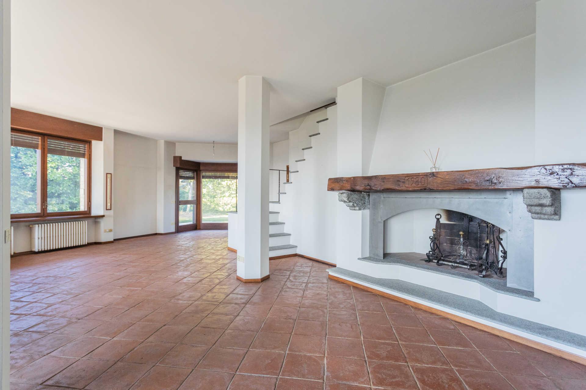 Villa-singola-Carate-Brianza-in-vendita (46)