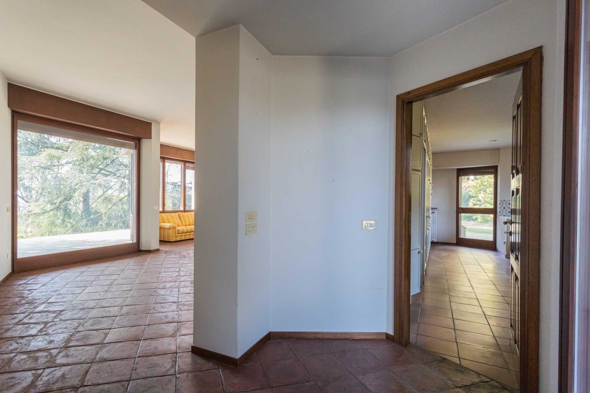 Villa-singola-Carate-Brianza-in-vendita (48)