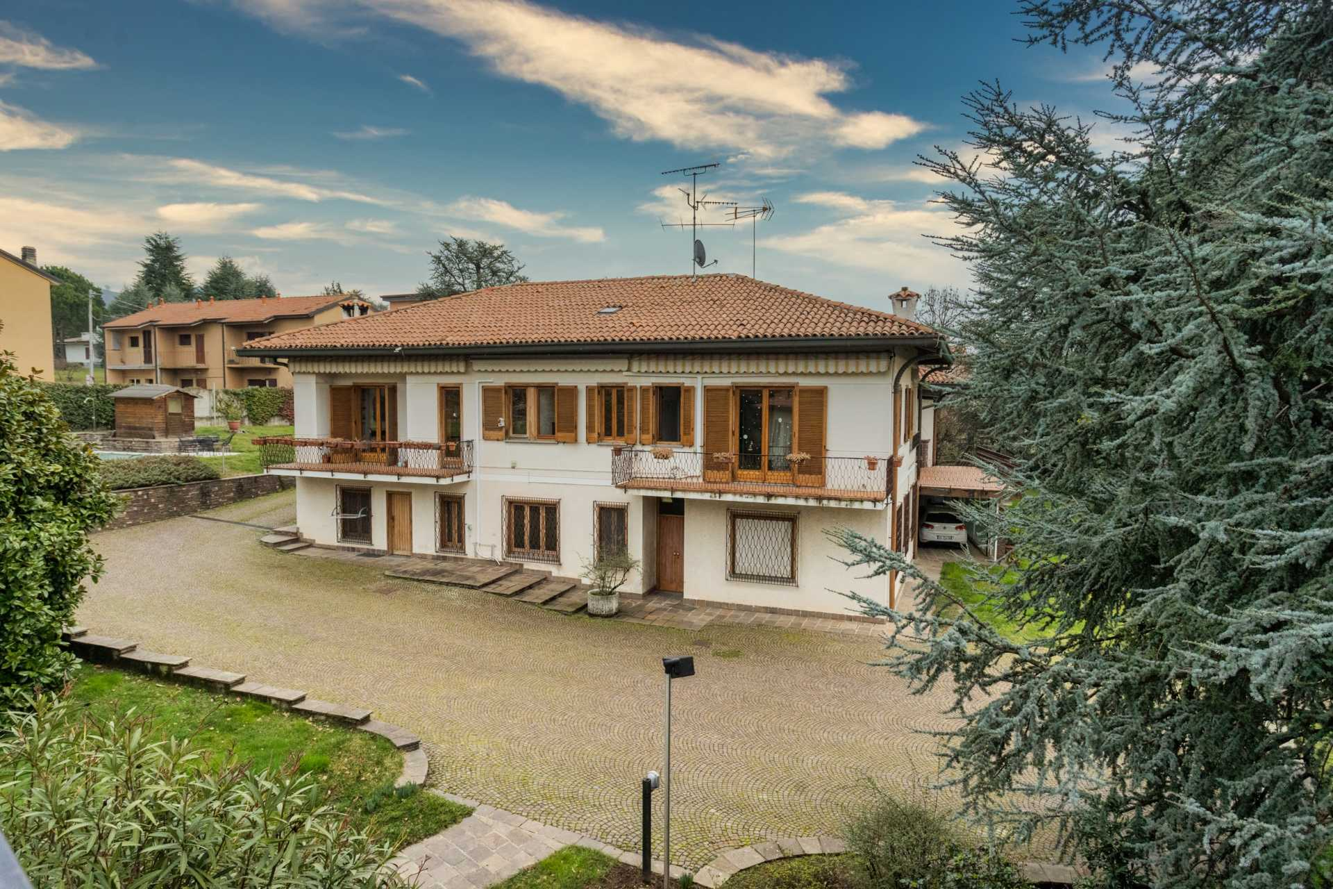 Missaglia-vendita-villa (1)