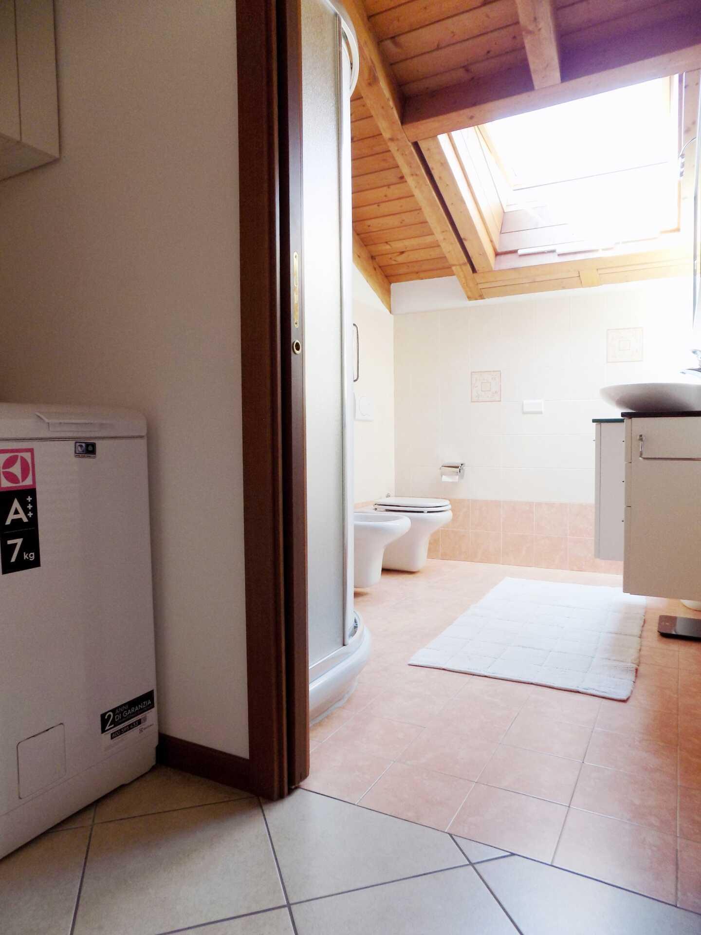 Appartamento ultimo piano in vendita a Calco (14)