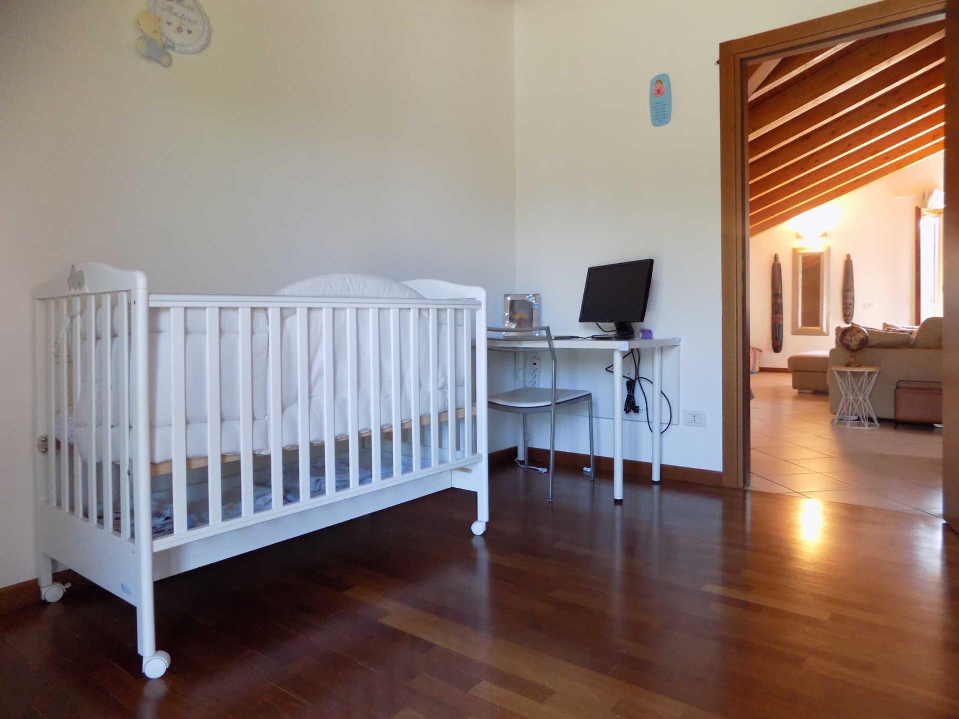 Appartamento ultimo piano in vendita a Calco (21)