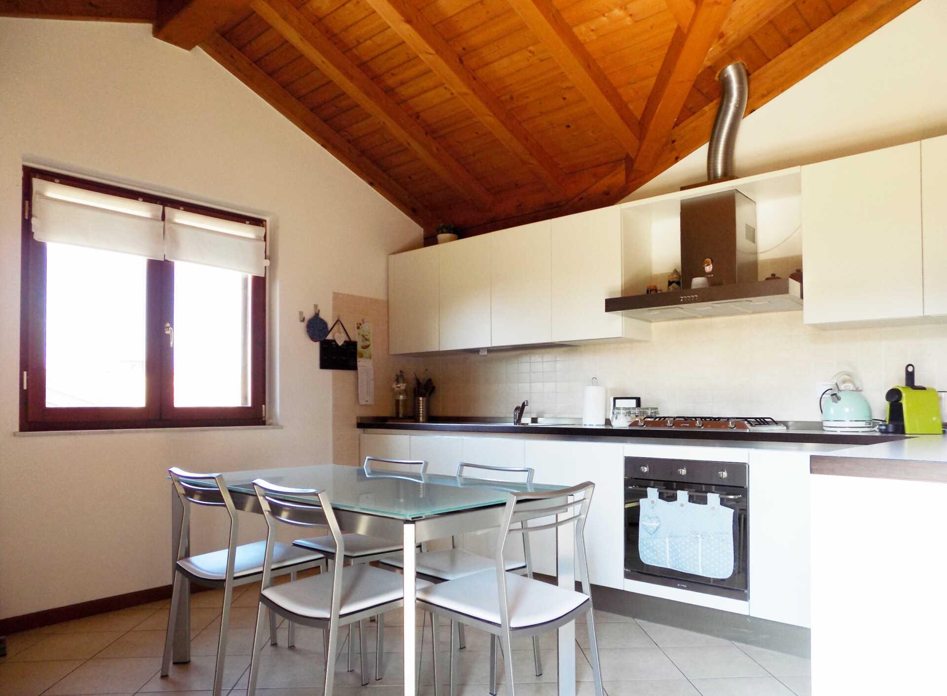 Appartamento ultimo piano in vendita a Calco (27)