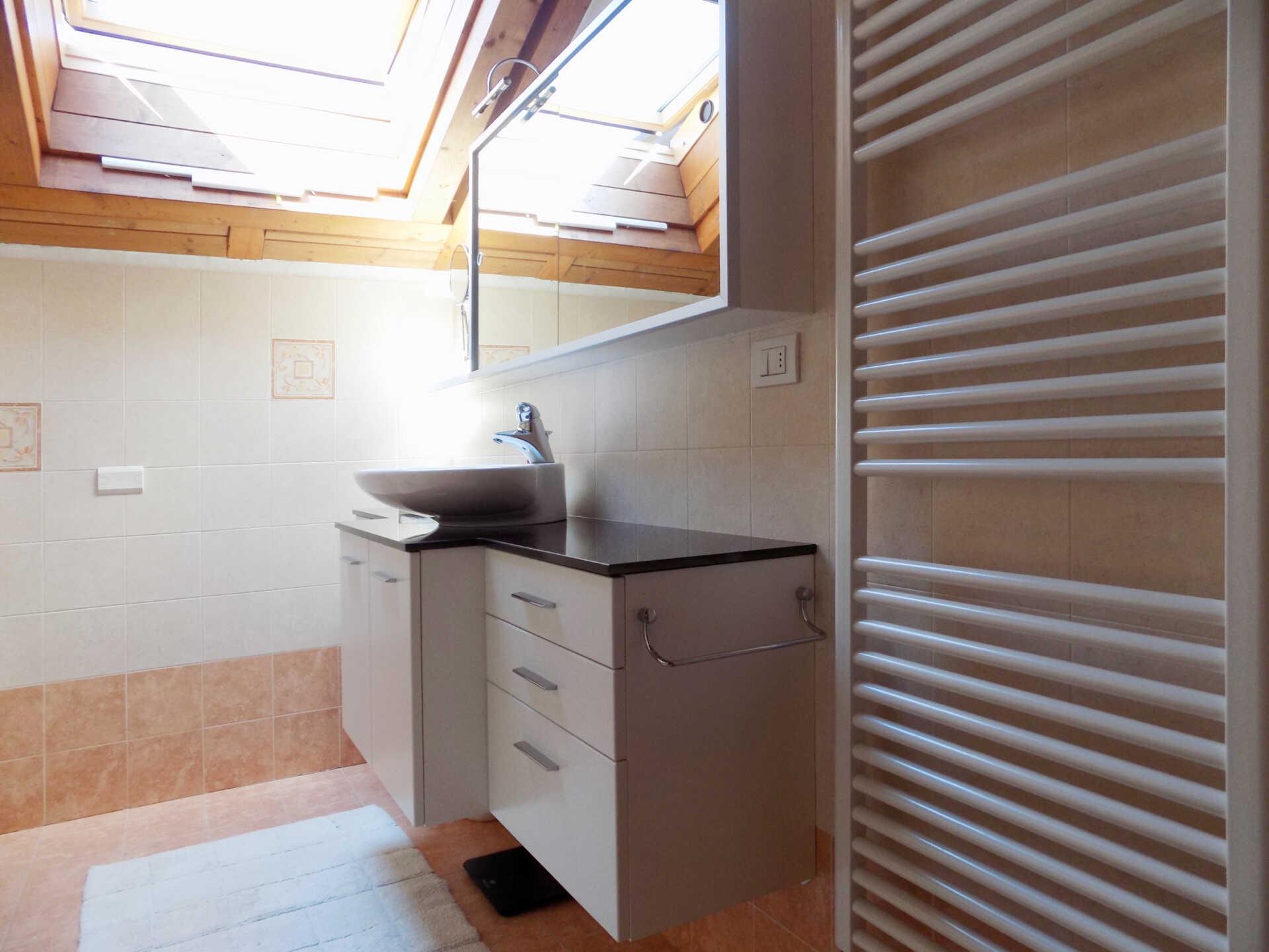 Appartamento ultimo piano in vendita a Calco (9)