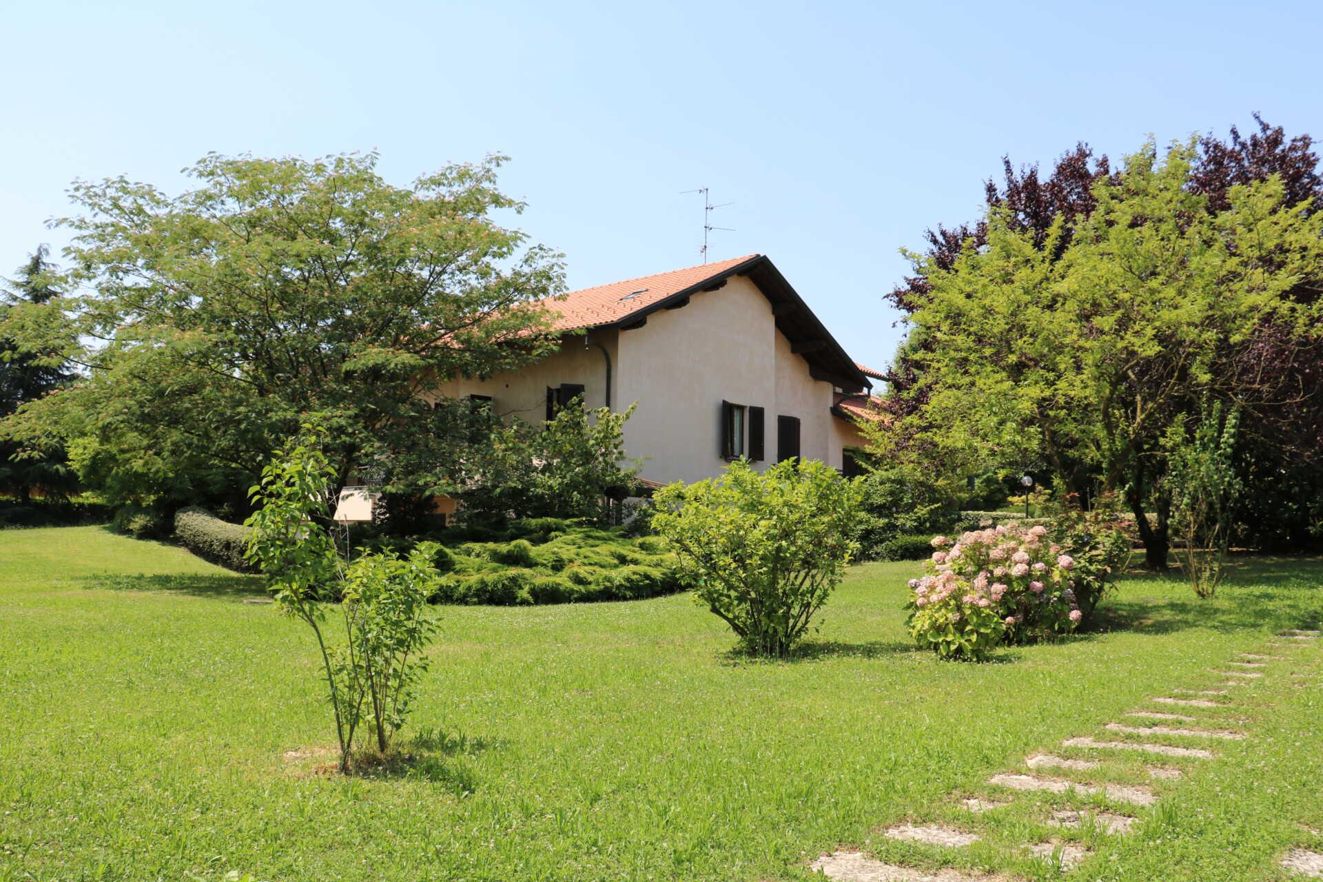 Incarico di vendita villa in Brianza
