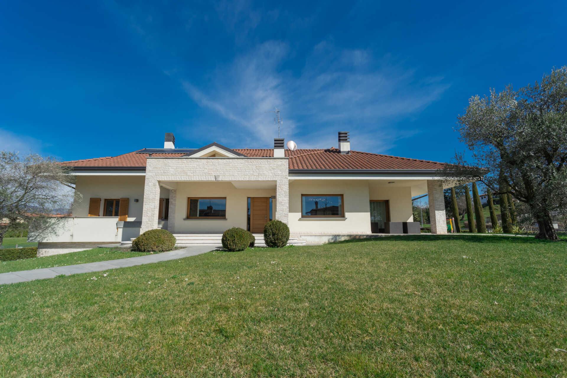 7 consigli per comprare una villa in Brianza senza perdere tempo