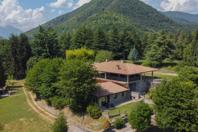 Villa in vendita ad Almenno San Salvatore con terreno